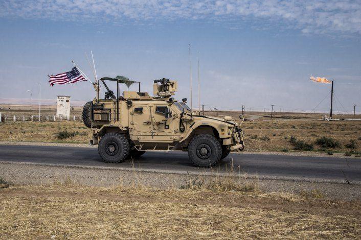 Trump aprueba mayor patrullaje en campos petroleros sirios