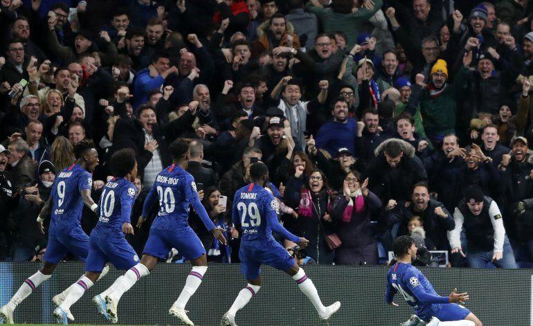 Ajax dilapida ventaja de 3 goles ante Chelsea y empata 4-4