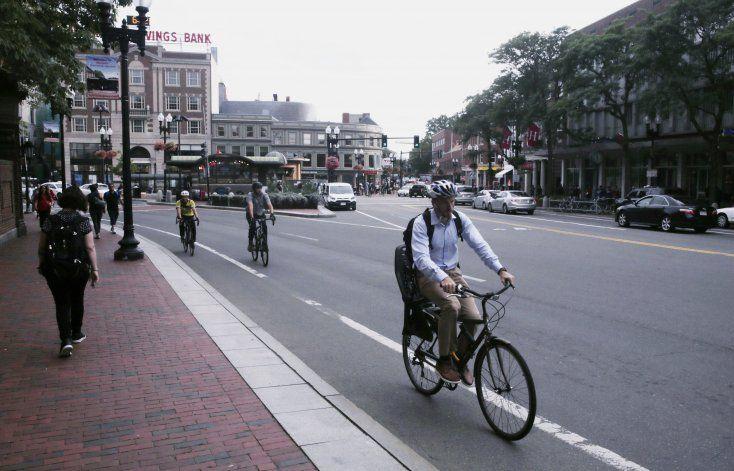 EEUU: Recomiendan exigir que ciclistas usen casco
