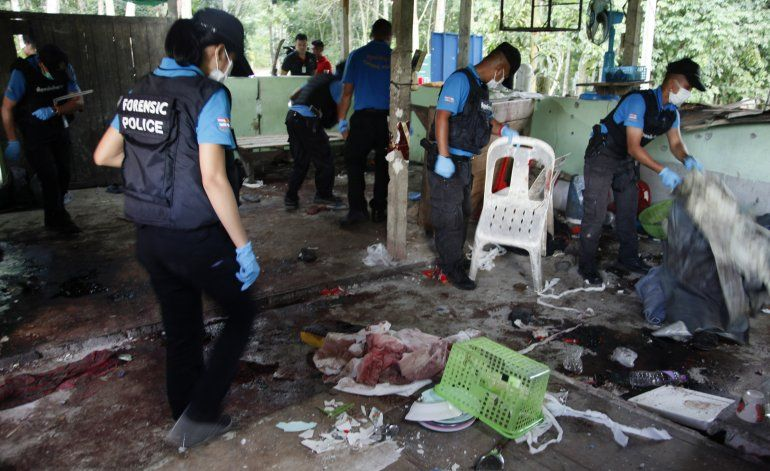 Presuntos separatistas matan a 15 en Tailandia