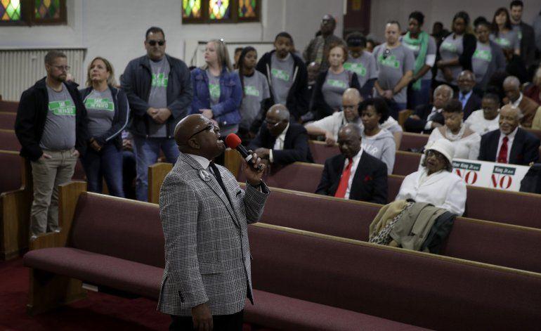 Votantes en Kansas City eliminan nombre de King de bulevar
