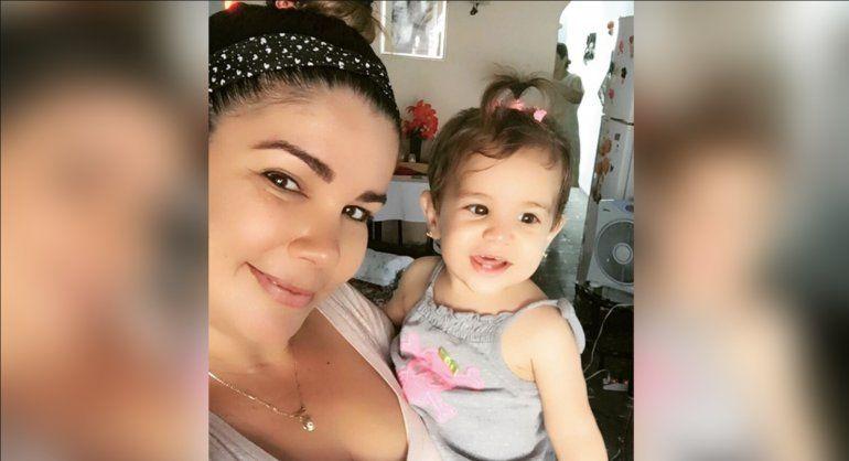 Salen de Cuba por amenazas los padres de la niña que murió tras una vacuna