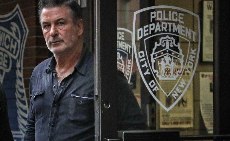 Alec Baldwin demanda a hombre que lo acusó de golpearlo