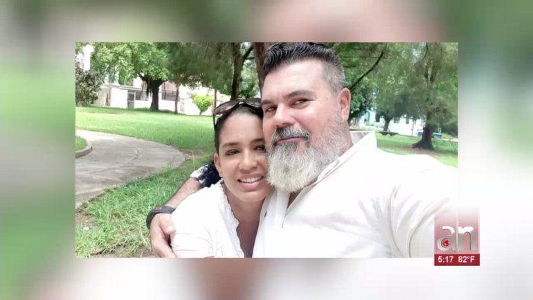 Matrimonio de cubano protesta por acoso policial contra ellos en La Habana