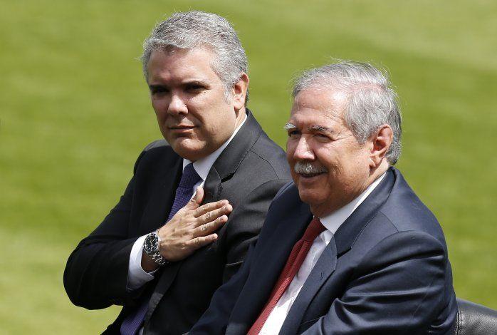 Renuncia ministro de Defensa de Colombia