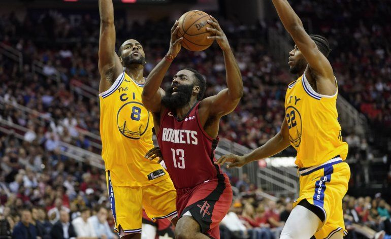 Harden anota 36 puntos y Rockets hunden más a Warriors