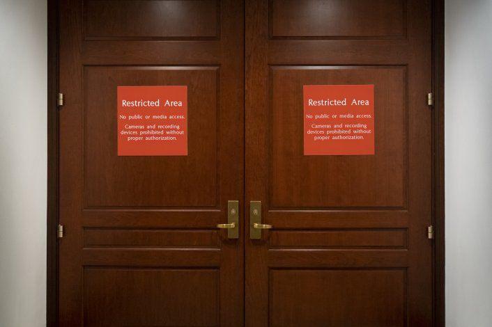 Lo que necesita saber: Casa Blanca blinda a su personal