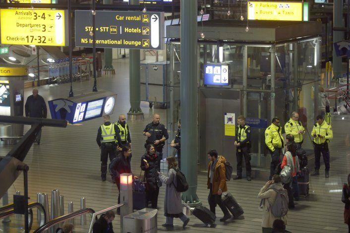 Piloto encendió alerta por error en aeropuerto Schiphol