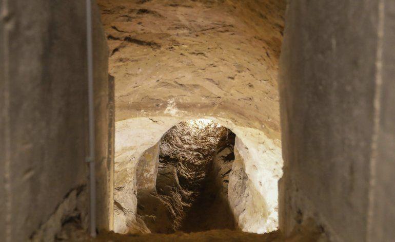 Abren al público túnel de escape bajo el Muro de Berlín