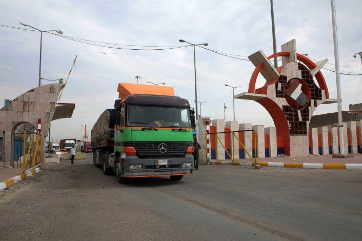 4 manifestantes mueren en Bagdad, cierran de nuevo puerto
