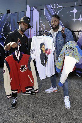 Chris Brown hace venta de garaje en su casa de Los Ángeles