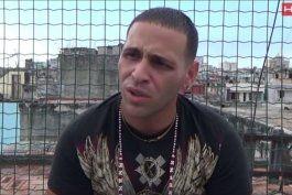 niegan asilo en eeuu a rapero cubano, pero le suspenden orden de deportacion