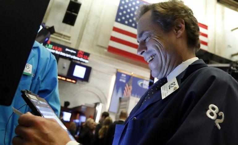 Alza en Wall Street por esperanzas de acuerdo EEUU-China