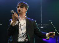 cantante pete doherty arrestado por comprar drogas en paris