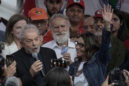 brasil: expresidente lula sale de prision