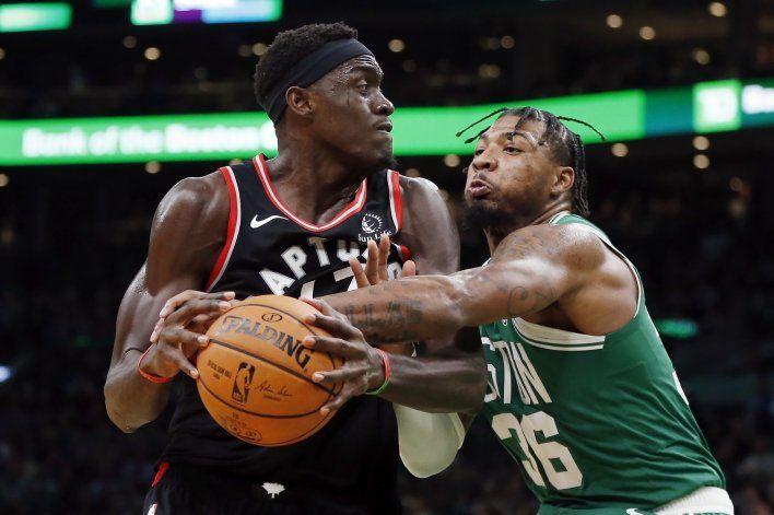 NBA multa a Marcus Smart por criticar el arbitraje