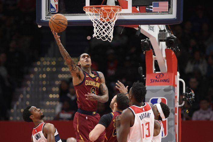 Thompson anota 21 puntos y Cavaliers ganan 113-110 a Wizards