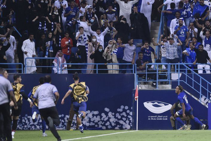 Asia: Al Hilal toma ventaja en final gracias a Carrillo