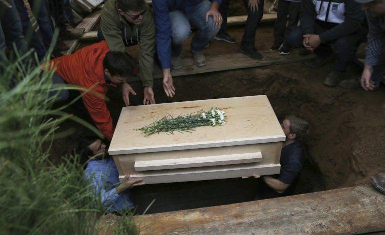 México: Despiden a última víctima de emboscada por sepultar