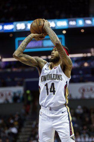 Pelicans pierden 26 balones, pero vencen a Hornets