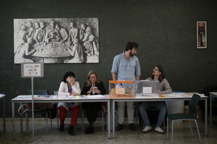 España: PSOE gana elecciones y la ultraderecha despunta