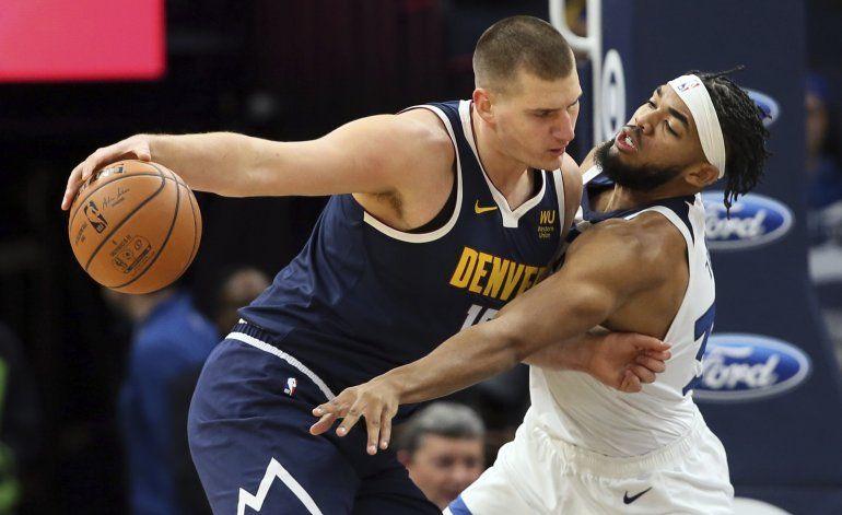 Jokic define en tiempo extra por Nuggets ante Timberwolves