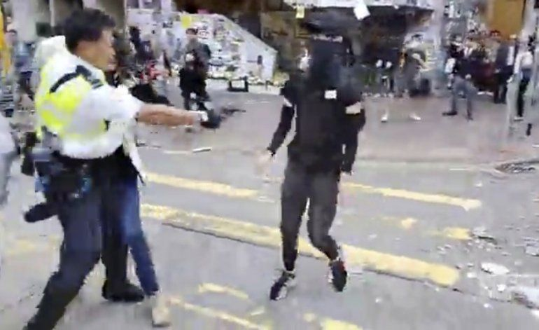Líder de Hong Kong promete poner fin a protestas
