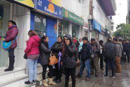 incertidumbre en el primer dia sin evo morales en bolivia