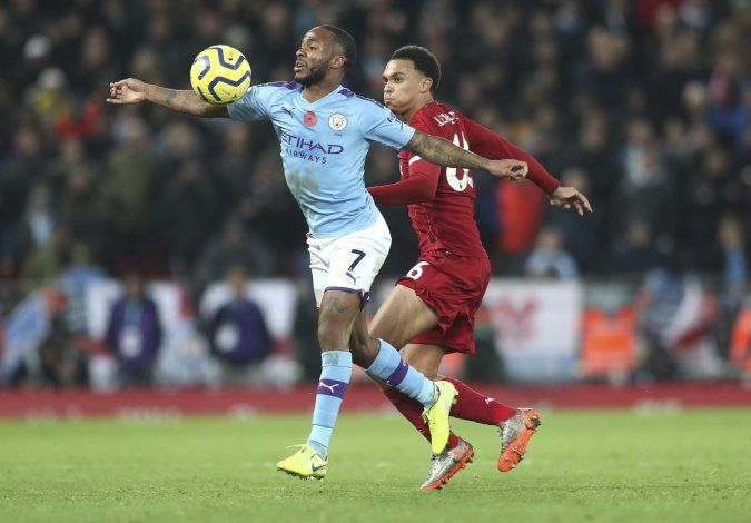 Selección inglesa suspende a Sterling por altercado