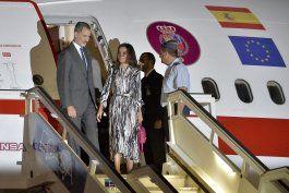los reyes de espana llegan a cuba en visita de estado
