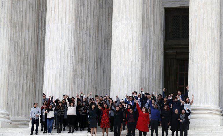 Conservadores de corte de EEUU apoyan final de programa DACA