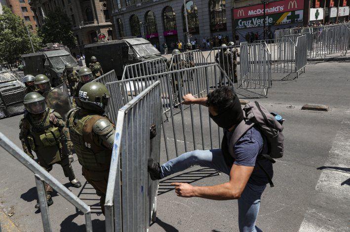 Chile cumple 26 jornadas de movilizaciones con paro general