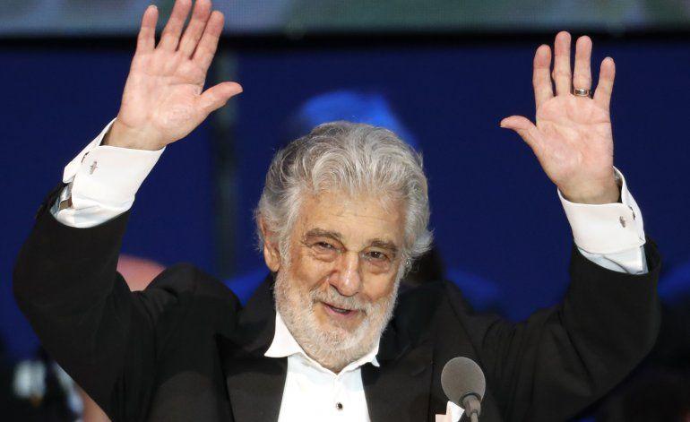 "Bocelli califica de ""absurdo"" rechazo a Domingo"