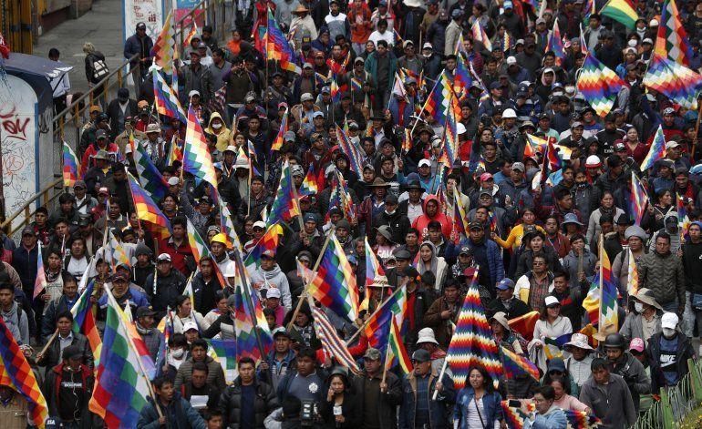 Senadora Áñez se autoproclama presidenta interina de Bolivia