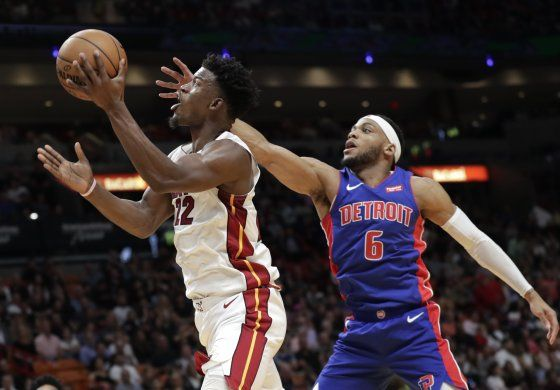 Con 20 puntos de Butler, Heat derrota a Pistons