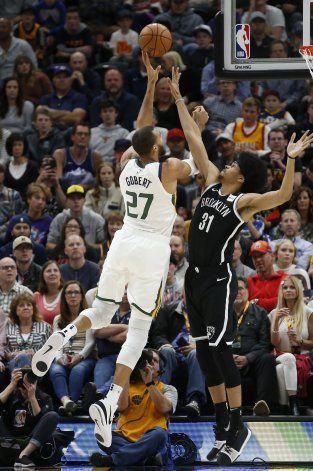 Jazz remonta y vence a Nets