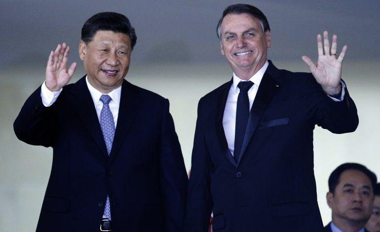 Con la economía en mente, Bolsonaro suaviza tono con China