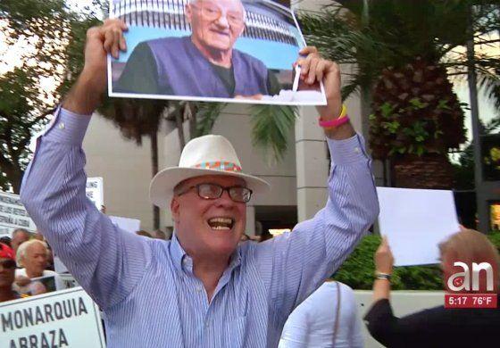 Exiliados realizaron protesta por visita de los Reyes a Cuba