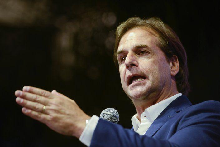 Uruguay: candidatos presidenciales se enfrentan en debate