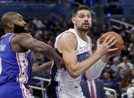 vucevic conduce al magic a triunfo sobre 76ers