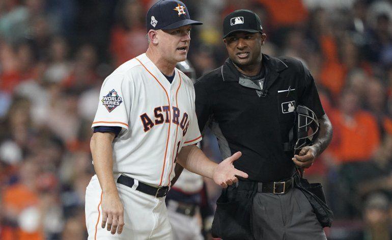 Astros sufren otro golpe por presunto robo de señas