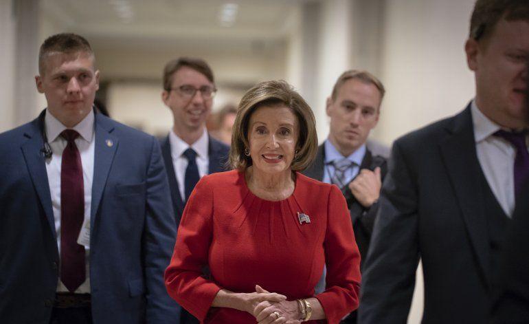 """Pelosi cataloga como """"soborno"""" acciones de Trump con Ucrania"""