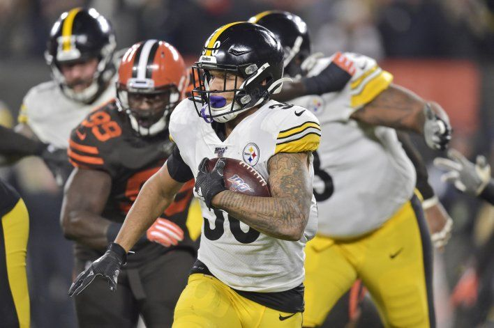 Steelers pierden a Smith-Schuster por conmoción cerebral