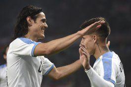 uruguay vence 2-1 a uruguay en amistoso