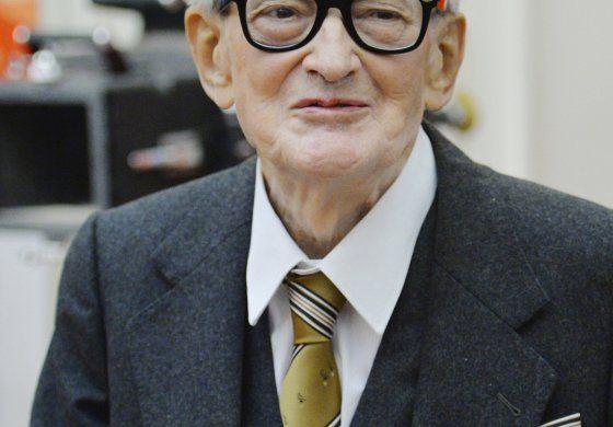 Muere cineasta checo Vojtech Jasny a los 93 años