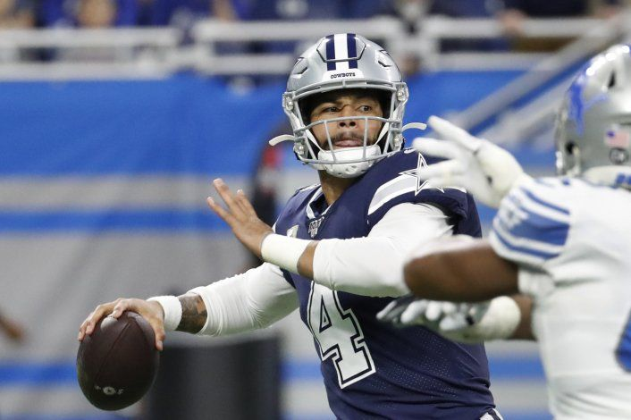 Con un gran día de Prescott, Dallas vence 35-27 a Detroit