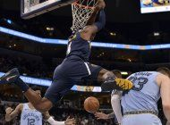 con 39 de murray, nuggets aplastan a grizzlies