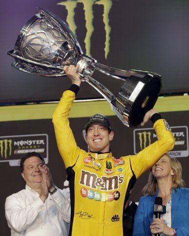 Kyle Busch se corona por 2da vez en la NASCAR