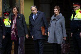 juzgan a lider catalan por mantener simbolos secesionistas