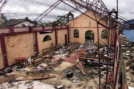 entierran a victimas de aneja masacre en colombia